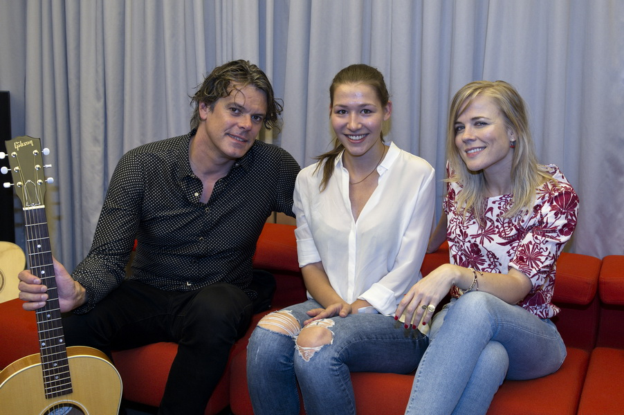 Ilse DeLange und JB Meijers mit Louise Pochandke am 24.08.2015 in Berlin [Photo: Christian Behring]