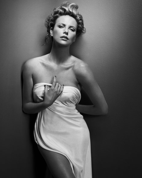 1_Charlize, New York I, 2008, copyright and courtesy Vincent Peters