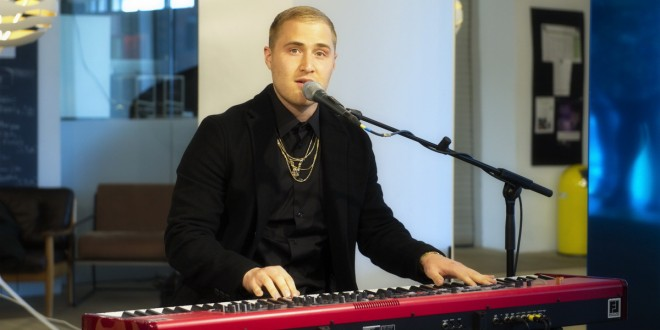 Mike posner grandioses comeback redcarpet reports for Studium soziologie nc